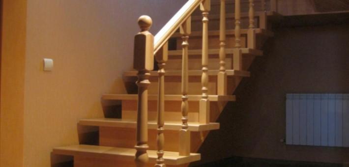 Деревянные лестницы на заказ в Москве и Московской области